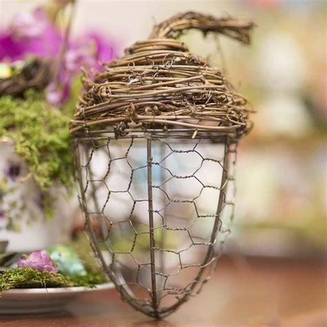 wire craft project ideas chicken wire and grapevine acorn chicken wire crafts