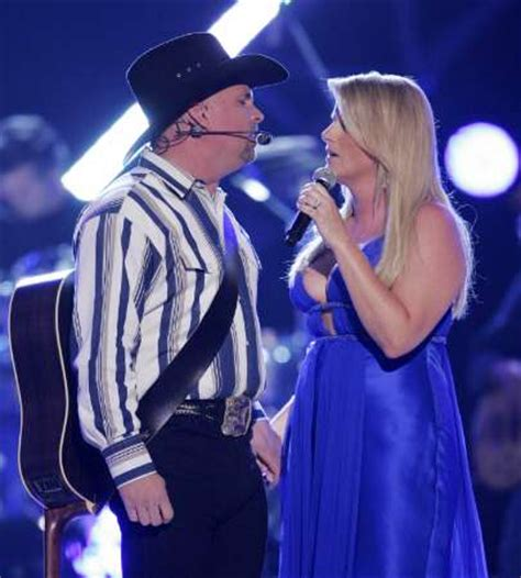 trisha yearwood and garth brooks to appear on sinatra special