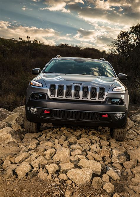 jeep trailhawk 2014 2014 jeep cherokee around the block automobile magazine