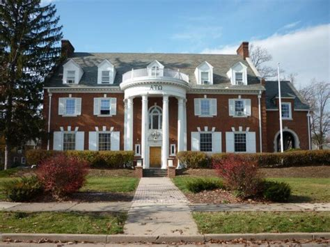 fraternity house top 10 frat houses worthy of your instagram feed at penn state college magazine