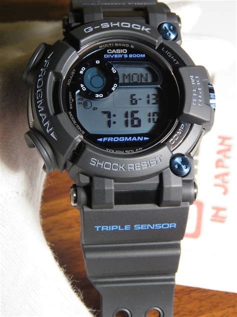 Casio G Shock Frogman Gwf D1000b 1jf With Water Depth Sensor Jdm Origi g shock frogman gwf d1000b 1 with sapphire glass