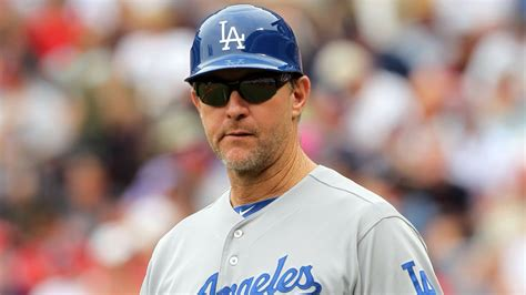 dodgers bench coach tim wallach reportedly interviews for padres managerial