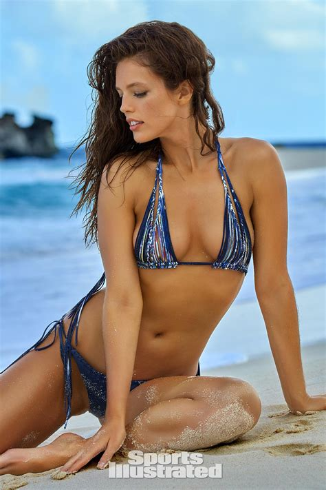 Calendrier X Fighters 2016 Emily Didonato Swimsuit Photos Sports Illustrated
