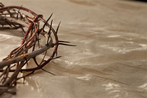 How To Make A Crown Of Thorns Out Of Paper - a crown of thorns
