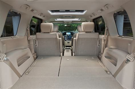 nissan minivan inside 2013 nissan quest reviews and rating motor trend
