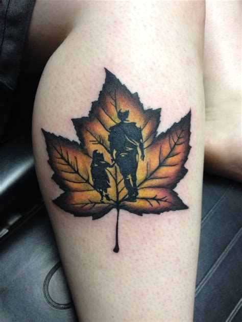 leaves tattoos designs best 25 maple leaf tattoos ideas on colorful