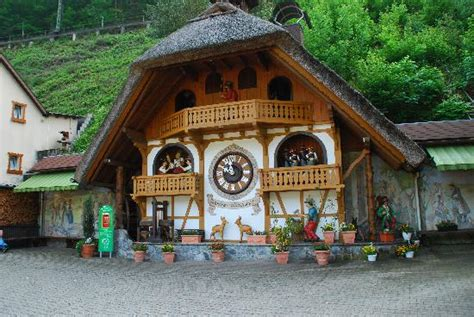 house of 1000 clocks huge cuckoo clock at entrance picture of house of 1000 clocks triberg tripadvisor