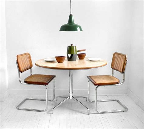 kitchen table chairs with arms 1000 ideas about retro dining chairs on