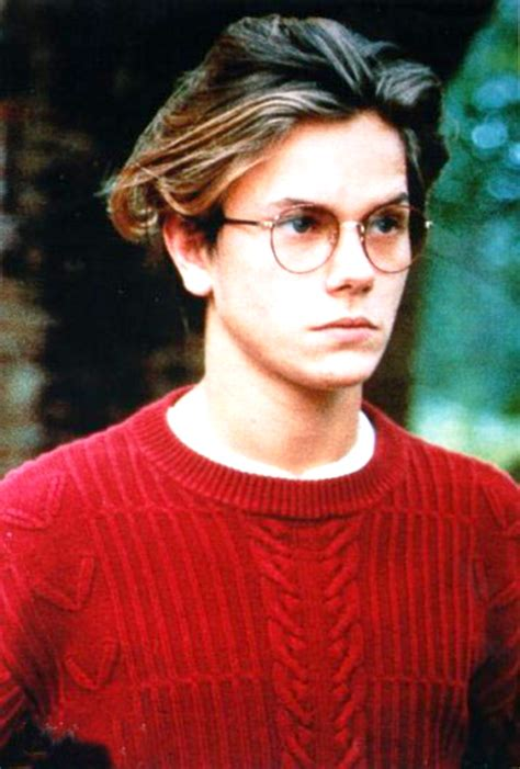 little blonde actor with glasses river phoenix with glasses pinterest river phoenix