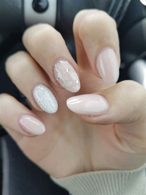 Gel Nagel Ideeën by 25 Best Ideas About Almond Nails On