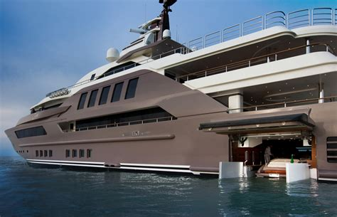 how to build a boat that moves in minecraft total frat move this yacht is the first ever to have a