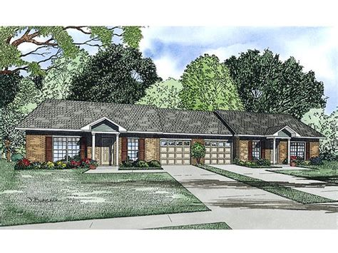 multi family home plans duplex multi family house plans one story duplex plan 025m