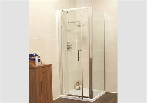 Best Way To Clean Bathroom Glass Shower Doors The Best Way To Clean The Glass On Your Shower