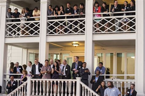 Ucla Nus Executive Mba Program by Dual M B A Program Draws Execs Looking For A Global Focus