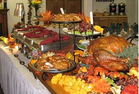 how to set a thanksgiving dinner table tricks for setting and decorating the table for