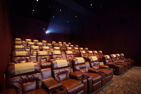 cineplex xxi semarang metropole premiere hadir dengan suasana mewah dan modern