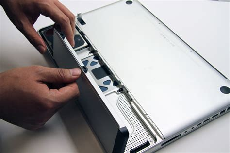 Harddisk Macbook Pro How To Upgrade Your Macbook Pro S Drive Extremetech