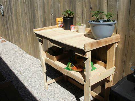 simple pallet bench simple pallet potting bench work bench 1001 pallets