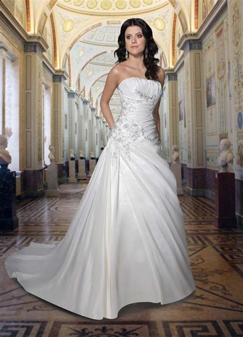 17 Best ideas about Strapless Wedding Dresses on Pinterest