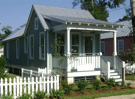 two bedroom cottage cottage style house plan 2 beds 1 baths 672 sq ft plan 536 4