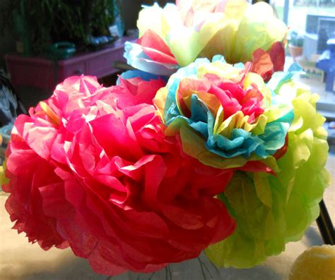 How To Make Mexican Flowers Out Of Tissue Paper - paper blooms mexican style creativityblossomsafter60