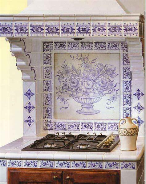 küche im spanischen stil einrichtungsideen wohnzimmer schwarz wei 223
