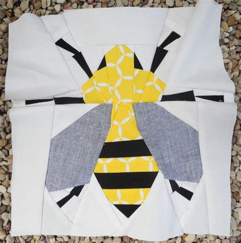 Bee Quilt Pattern Free by 17 Best Images About Bees On Quilt Quilt
