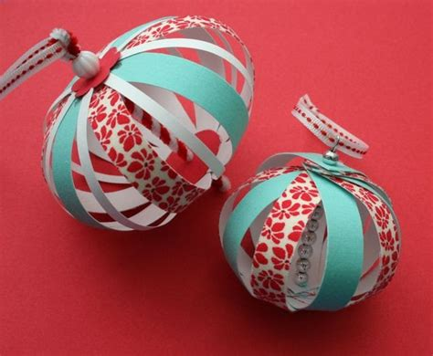 Paper Ornaments Make - mmmcrafts experimenting with paper fabric ornaments