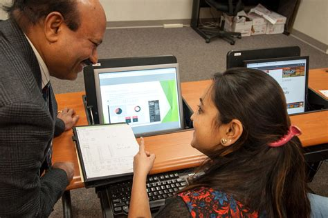 Oakland Mba Application by New Business Analytics Certificate Expands Big Data