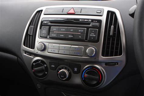 hyundai i20 2009 review hyundai i20 hatchback review 2009 2014 parkers