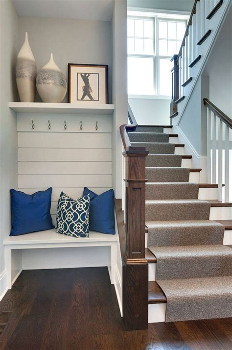 Small Entryway Stool 25 Best Ideas About Built In Bench On Bay