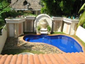 Pool Ideas For Small Backyards by Small Pool Ideas For Small Yard Backyard Design Ideas