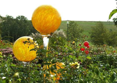 Gartendeko Aus Glas by Gartendeko Gartendekoration Glaskugeln Rosenkugeln Gelbes