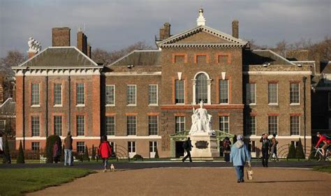 where does kate middleton live prince william and kate middleton to stay in kensington palace until will becomes king royal