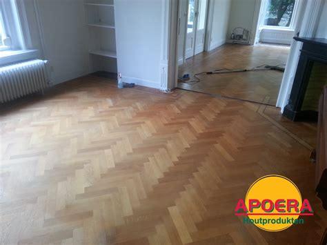 Schoonmaken Houten Vloer by Visgraat Vloer Schoonmaken Apoera Vloeren En Onderhoud