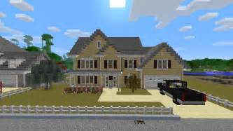 Small 2 Car Garage Homes Cute It S Official Minecraft Will Be Made Into A Movie