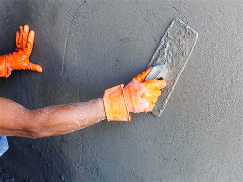 putz reparieren innen risse im au 223 enputz ausbessern so geht s bauen de