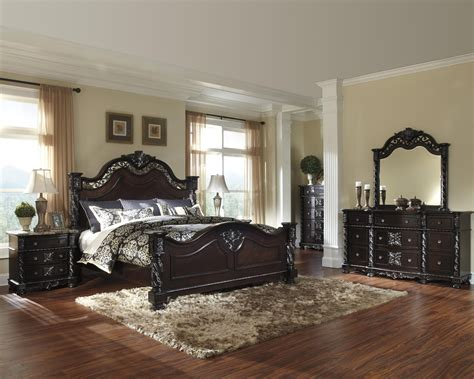 king poster bedroom set mattiner poster bedroom set b682 by ashley queen king