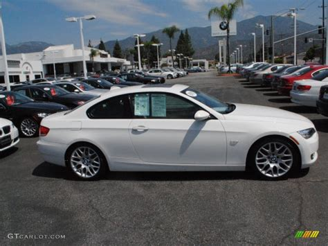 2009 Bmw 3 Series 328i by Alpine White 2009 Bmw 3 Series 328i Coupe Exterior Photo