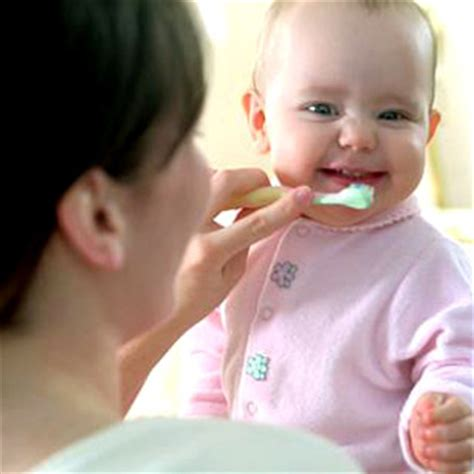 De Brown39s Infant To Toddler Toothbrush baby tooth care articles