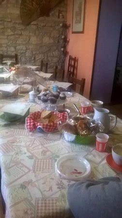 tavola apparecchiata per colazione tavola apparecchiata per colazione picture of