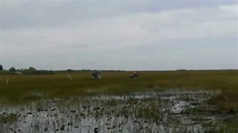 airboat drag race airboat drag race 550 hp chevy vs 300 hp continintel