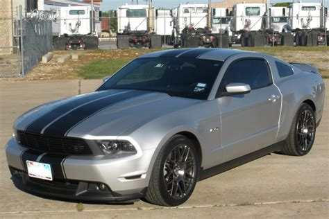 silver mustang with black stripes 2014 mustang gt stripes autos post