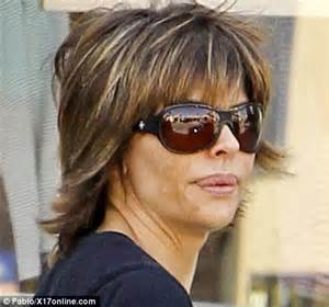 fixing rinna hair style lisa rinna steps out with badly applied blotchy fake tan