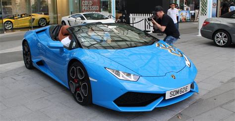lamborghini custom paint job lamborghini hurac 225 n spyder the first custom of its kind