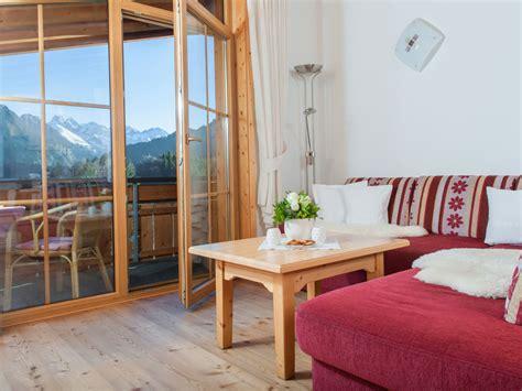Wohnzimmer Holzboden by Wohnzimmer Mit Holzboden Elvenbride
