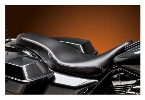 cobra motorcycle seats le pera cobra seat for harley touring 2008 2017 revzilla
