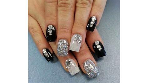imagenes de uñas negras con azul u 241 as decoradas con piedras sencillas faciles y bonitas