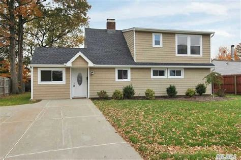 29 meander ln levittown ny 11756 for sale homes