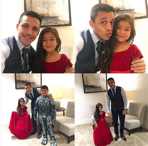 alexis sanchez family alexis sanchez enjoys family time ahead of arsenal v